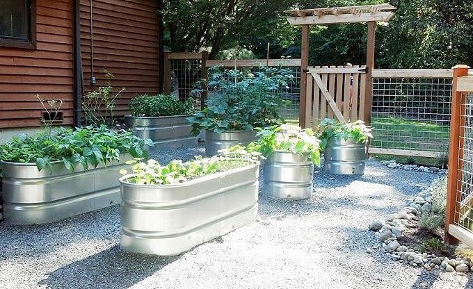 Galvanized tubs in Redmond