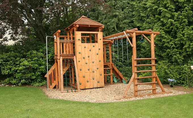 Broadmoor residence, Madison Park area of Seattle. 'Laughing Logs' play area.