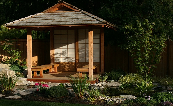 Japanese teahouse by samurai designer Guy Feldman. Carpentry by Kris. Authentic custom made shoji screens, water feature and bridge entry, simple fountain with boarscare, 2011.