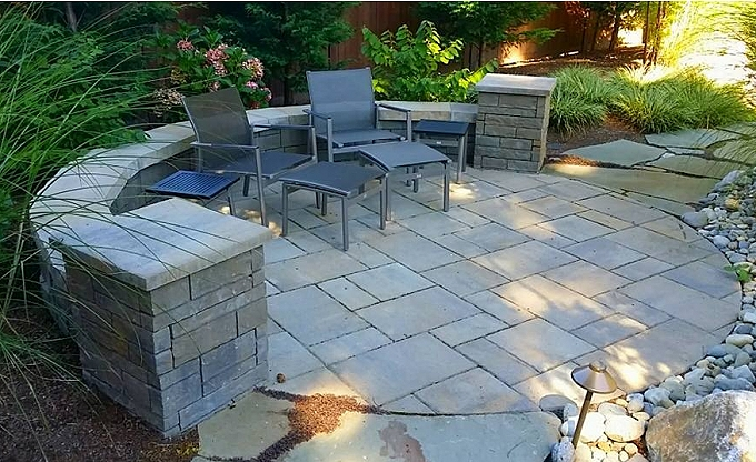 This is the Belgard 'Tandem' modular block wall with a 'Toscana' color Belgard 'LaFitt Rustic slab